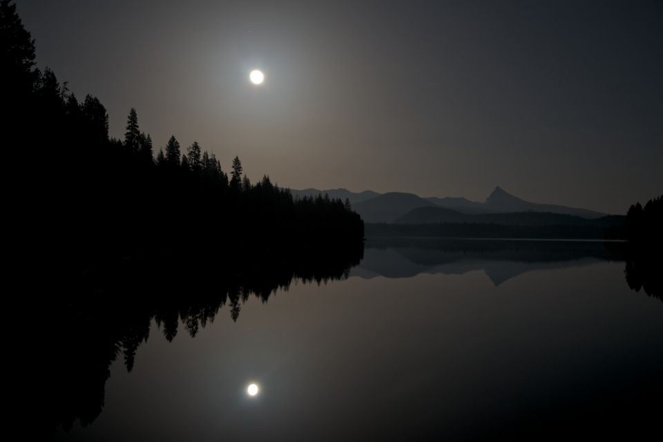 Supermoon and Thielsen over Lemolo Lake 4x6.jpg